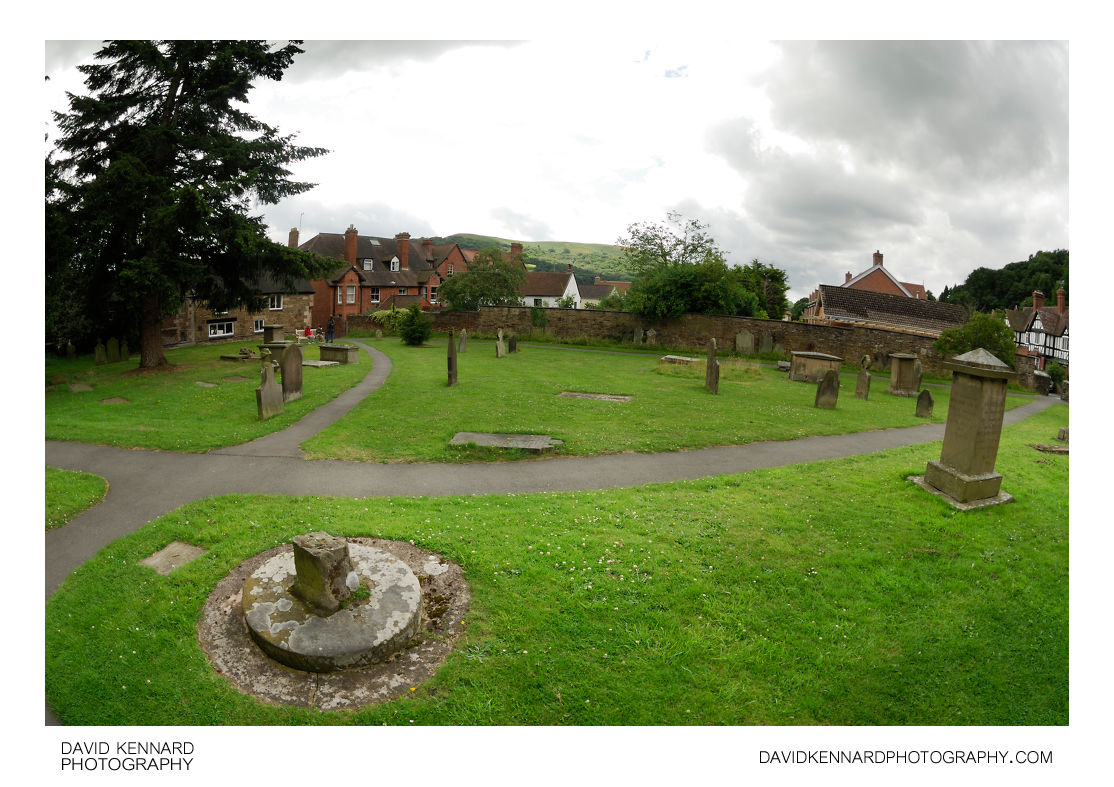 St Laurence Parish Church Churchyard