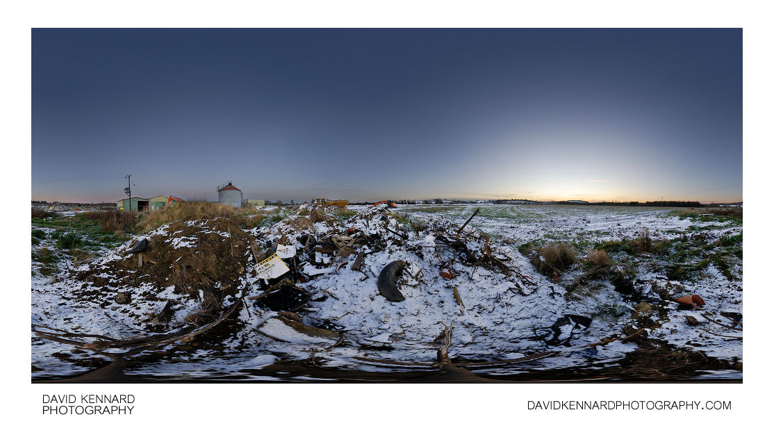 Snowy rubbish heap, Farndon Fields