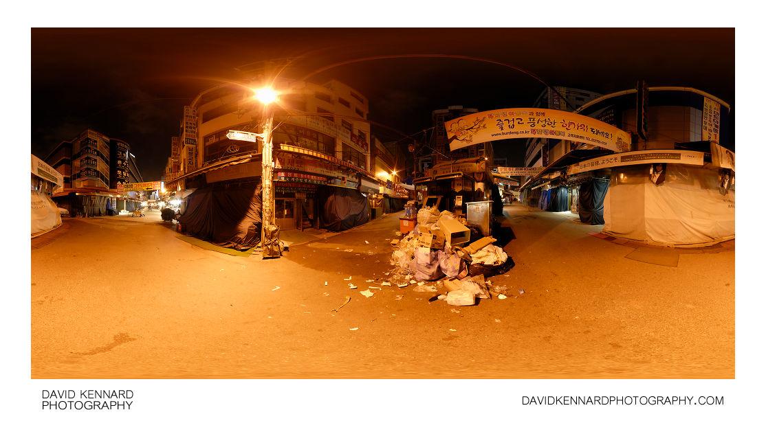 Empty Namdaemun Market at night