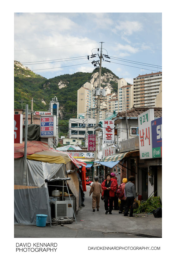 Narrow street near Danggogae station