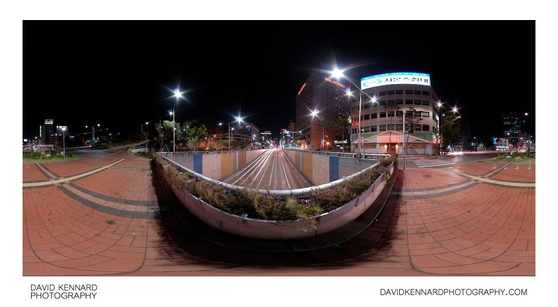Toegyero Intersection at night