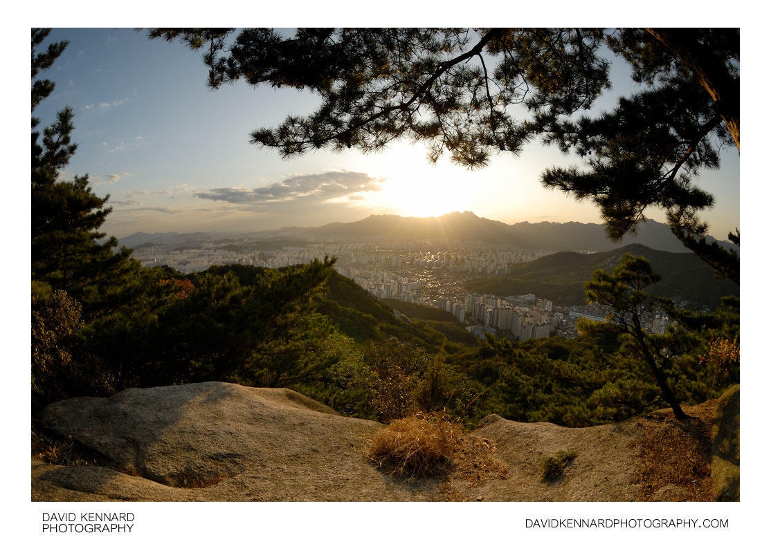 Seoul at sunset from Buramsan