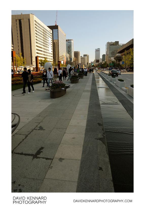 Looking north up Gwanghwamun Plaza
