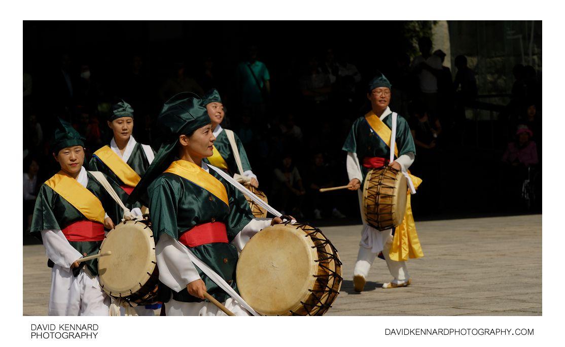 Pungmul-buk drummers
