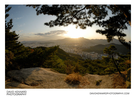 Seoul at sunset from Buramsan