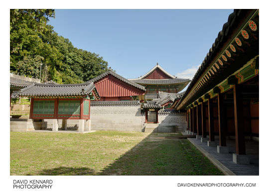 Area in front of Seonwonjeon, Changdeokgung