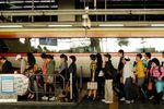 Escalator queue at Suwon Station