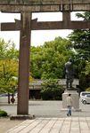 Torii & Hideyoshi statue at Hokoku Shrine, Osaka